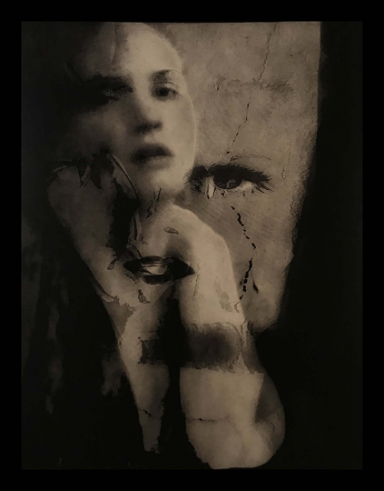 Woman Lokking at her Image – Tagged © Josephine Sacabo