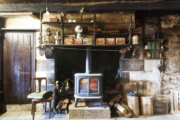 Gilles Pouliquen, Rural interiors in Brittany
