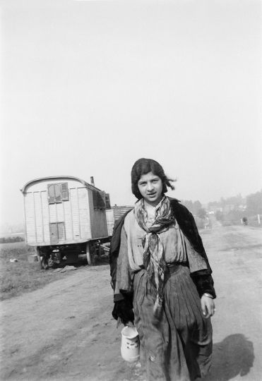 Jan Yoors, Untitled - Austria or Balkans, 1930s © The Yoors Family Partnership, c/o L. Parker Stephenson Photographs