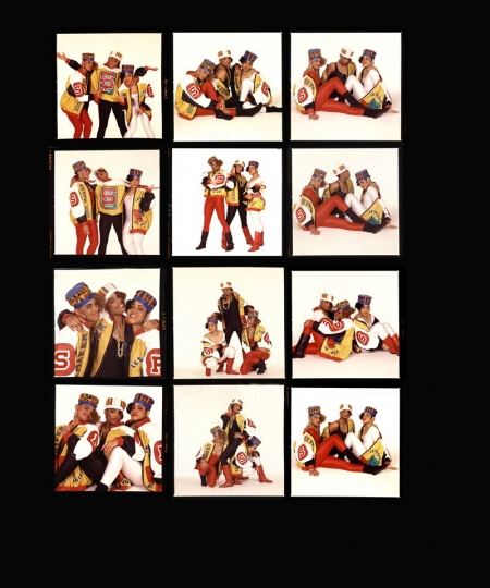 Salt-N-Pepa 1987 contact sheet © Photo by Janette Beckman – Courtesy Annenberg Space for Photography