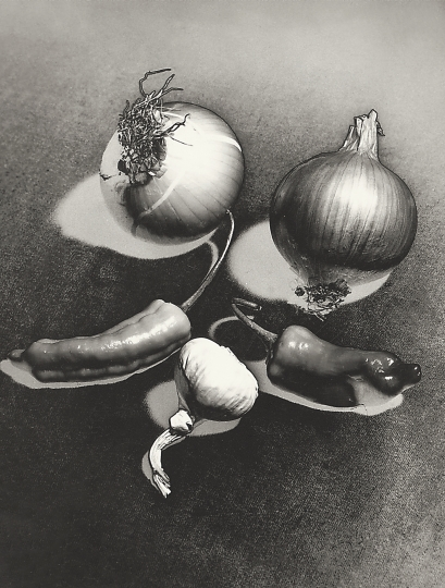 Jeanne Mandello, Nature morte, solarisation ~ ca. 1953. © Isabel Mandello