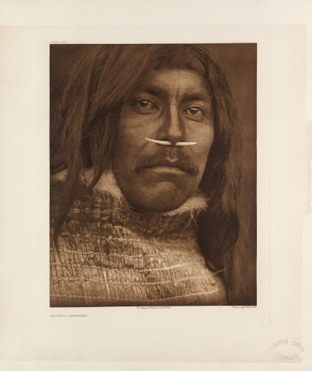 Qa'Ĥíla – Koprino. The Koprinos are part of the Kwakiutl group. - The North American Indian by Edward S Curtis - courtesy of Swann Auction Galleries