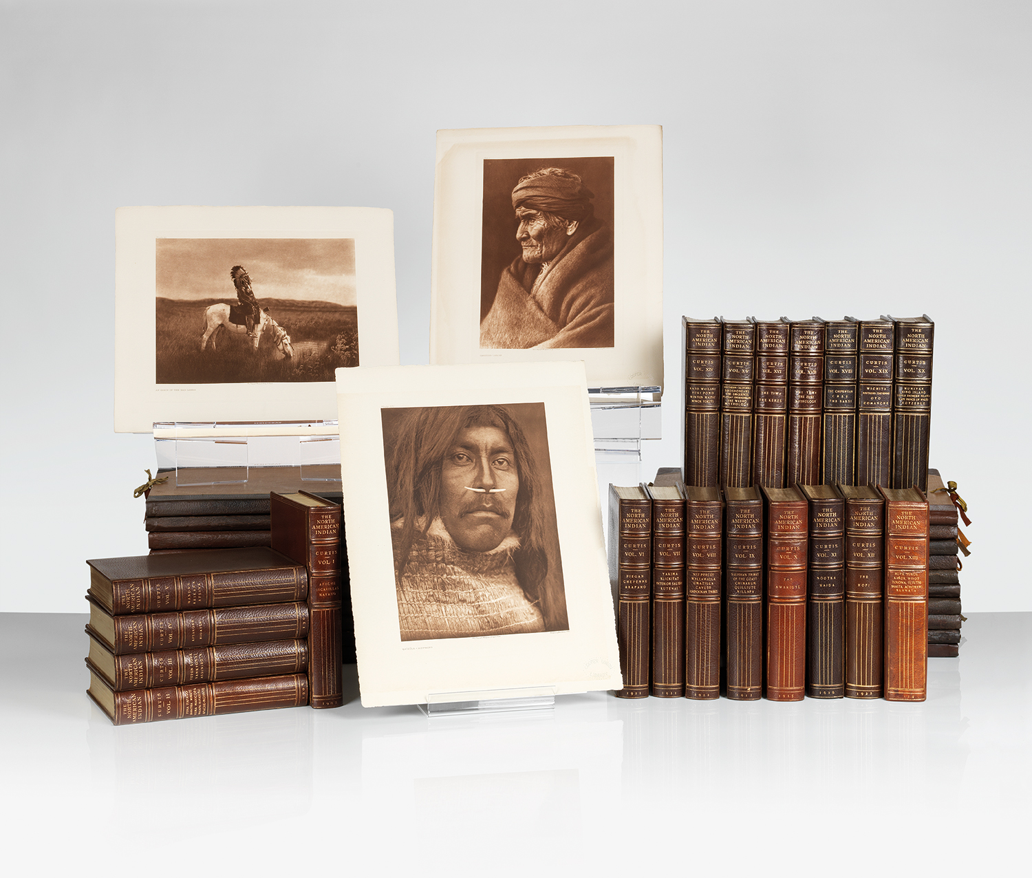 Overview The North American Indian comprises 20 text volumes and 20 folios containing large-format photogravures. The North American Indian by Edward S Curtis - courtesy of Swann Auction Galleries