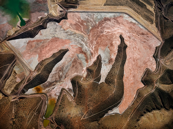 Morenci Mine #1 Clifton Arizona USA 2012 (c) Edward Burtynsky Courtesy of Flowers Gallery London and Metivier Gallery Toronto