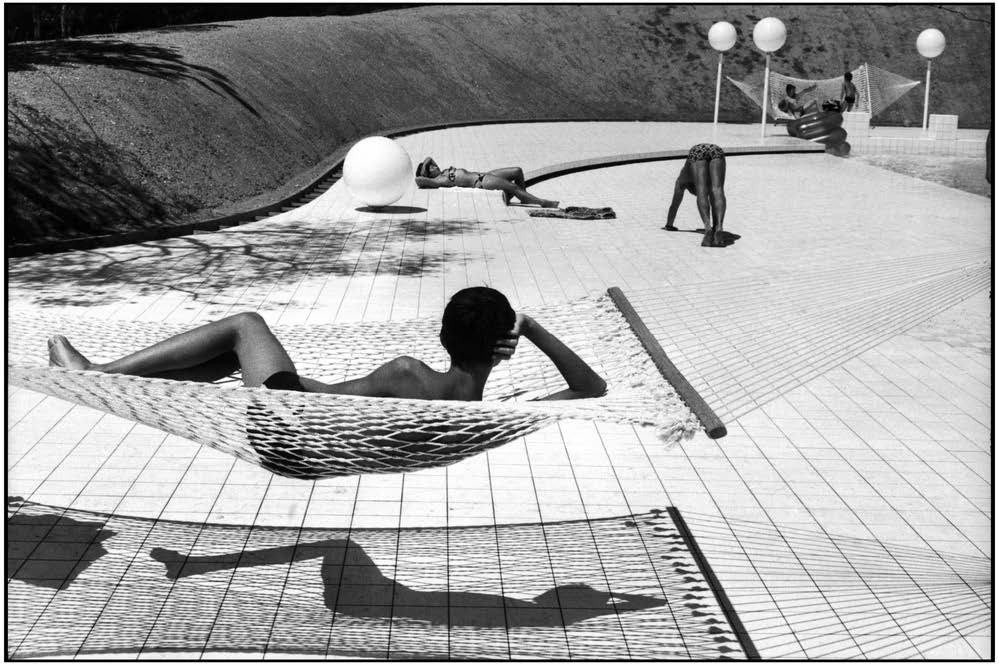 Swimming Pool designed by Alain Capeilleres, La Brusc, France, 1976 40x50 cm, Gelatin silver print © Martine Franck / Magnum Photos, Courtesy Augusta Edwards Fine Art