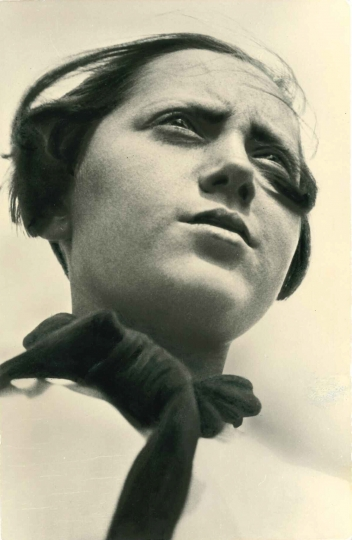 Aleksandr Rodchenko: Pioneer Girl, 1930 © The Borodulin Collection/Courtesy of Atlas Gallery, London.