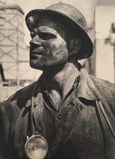 Mark Markov-Grinberg: Oustanding miner of Donbass, Nikita Izotov,1934 © The Borodulin Collection/Courtesy of Atlas Gallery, London.