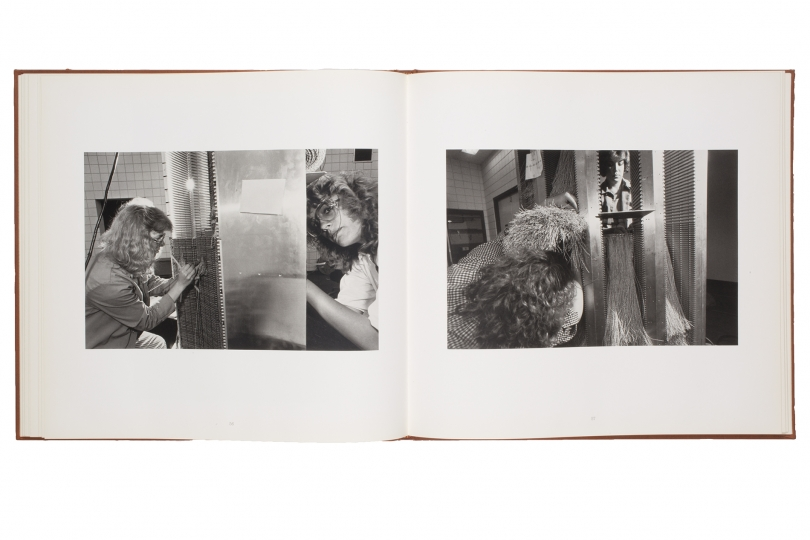 Lee Friedlander Spread from Cray at Chippewa Falls: Photographs by Lee Friedlander, 1987. (Minneapolis, Minnesota: Cray Research, Inc. 1987) © Lee Friedlander. Avec l'aimable autorisation de l'artiste et Fraenkel Gallery, San Francisco.