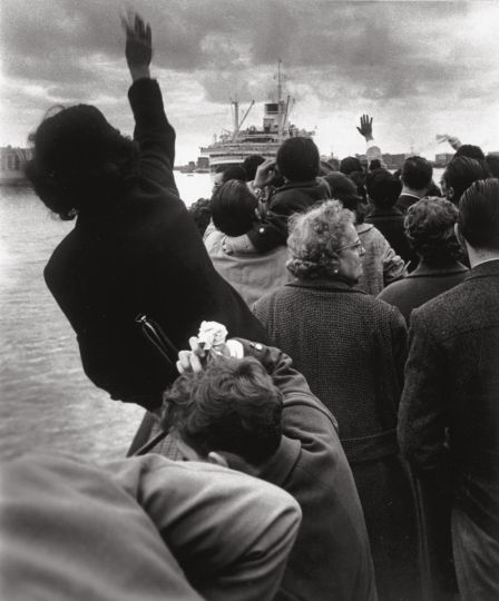 Seeing off the Cristoforo Colombo Genoa, 1959 © Stefano Robino