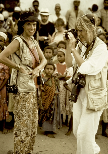 Carol and Angela at Swahili Wedding on Lamu Island, Kenya © Carol Beckwith & Angela Fisher