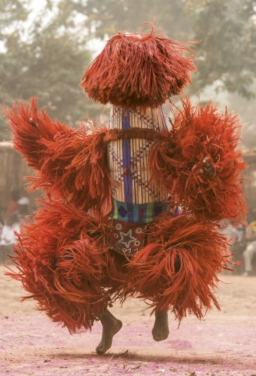 Harvest Millet Stalk Mask, Burkina Faso © Carol Beckwith & Angela Fisher