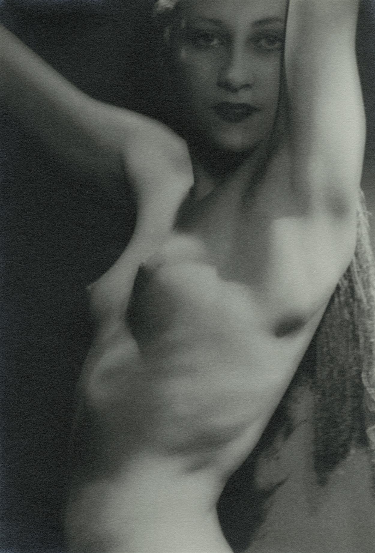 Man Ray, Nude 1927, Image courtesy of Howard Greenberg Gallery