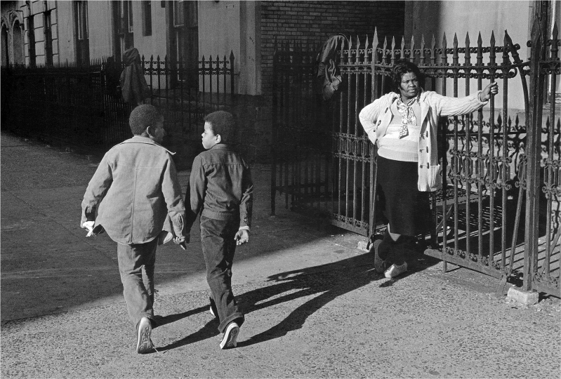 A Woman and Two Boys Passing, 1978 © Dawoud Bey / courtesy Stephen Daiter Gallery, Chicago, Stephen Bulger Gallery, Toronto