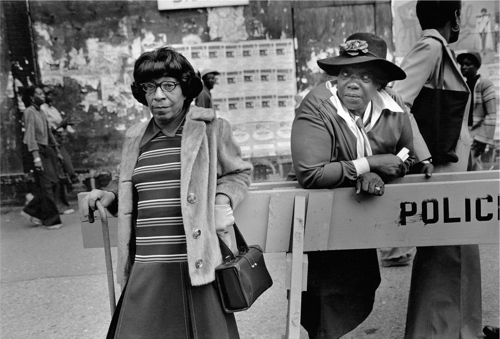 Two Woman at a Parade, 1978 © Dawoud Bey / courtesy Stephen Daiter Gallery, Chicago, Stephen Bulger Gallery, Toronto