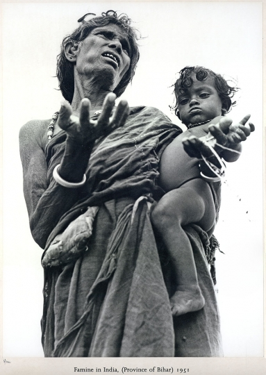 Werner Bischof: Famine in India (Province of Bihar), 1951, silver print, ed. 5/100, letterpress title and numbered recto, copyright limitation stamped on mount verso, image size: 15.5˝x11.5˝, sheet size: mounted 20˝x16˝ ($500–$1,000)