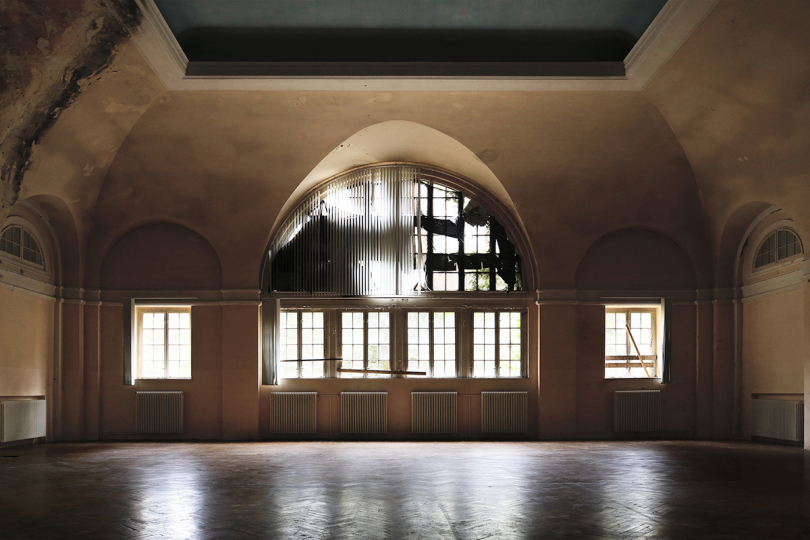 The atrium. The theater was the location of many plays for the Russian Army. © Francesca Pompei