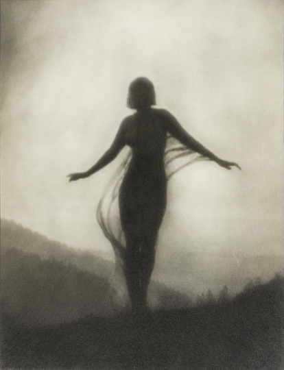 The Breeze, 1909/printed 1915, gelatin silver print, 9 5/8 x 7 3/8 inches. Wilson Centre for Photography