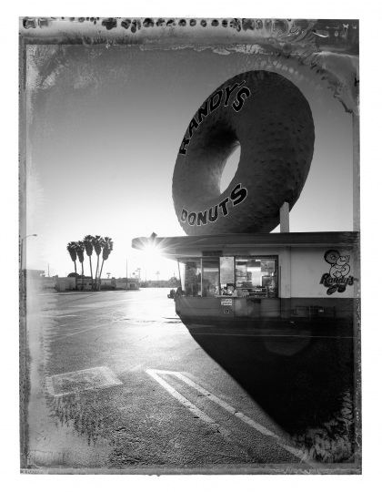 Christopher Thomas Randy's Donuts, Inglewood, 2017