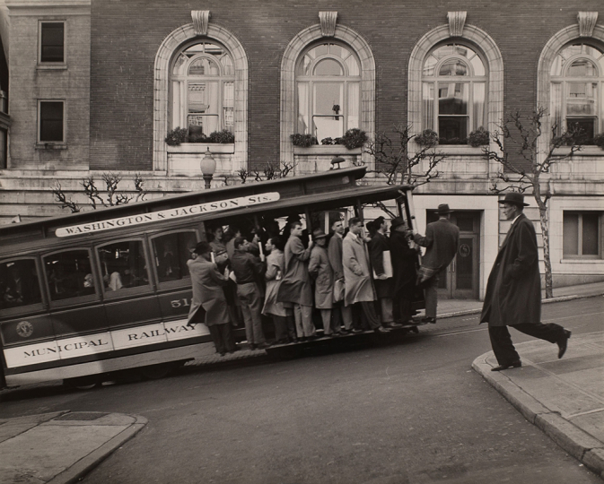 Max Yavno, Untitled (People on Cable Car) - Courtesy Robert Koch Gallery