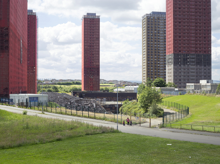 Red Road Flats, Balornock, Glasgow, 30 June 2014 © Simon Roberts – Courtesy Flowers Gallery