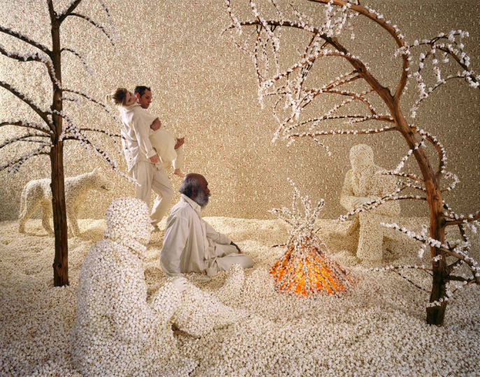 Raining Popcorn, 2001 ©Sandy Skoglund; color photograph, 97.5x123.7cm; private collection, Torino; courtesy Paci contemporary gallery (Brescia – Porto Cervo, IT)