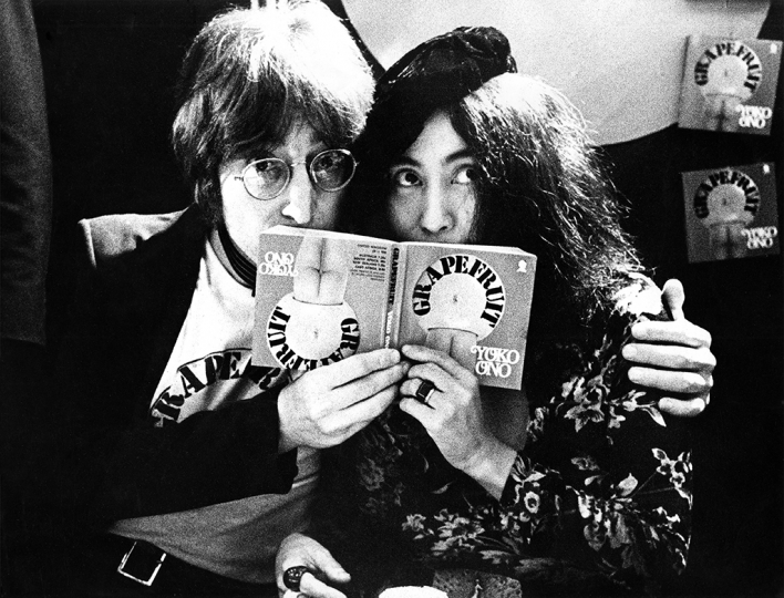 Gijsbert Hanekroot - John Lennon and Yoko Ono UK 1971 - Courtesy of Blue Lotus Gallery