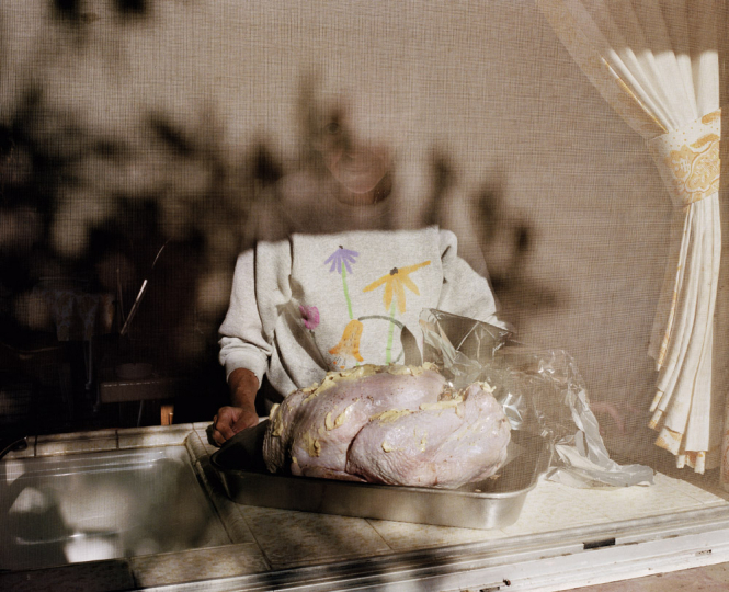 Thanksgiving 1985 © Larry Sultan - Courtesy of the Estate of Larry Sultan and Yancey Richardson
