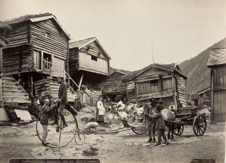 Voyage Pittoresque - Photography in Norway 1860 - 1900