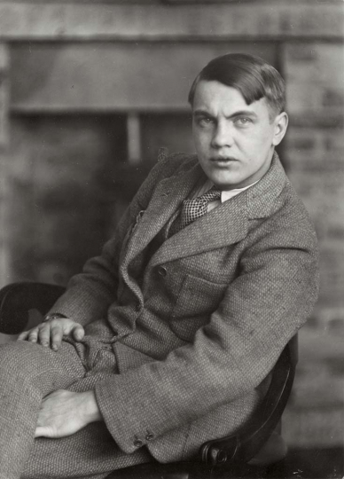 Berenice Abbott - George Antheil, 1927 17,3 × 12,4 cm The Miriam and Ira D. Wallach Division of Art, Prints and Photographs, Photography Collection. The New York Public Library, Astor, Lenox and Tilden Foundations © Getty Images/Berenice Abbott 4.