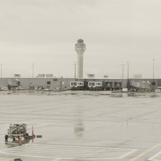 Washington airport - All Watched Over by Machines of Loving Grace © Leah Gordon