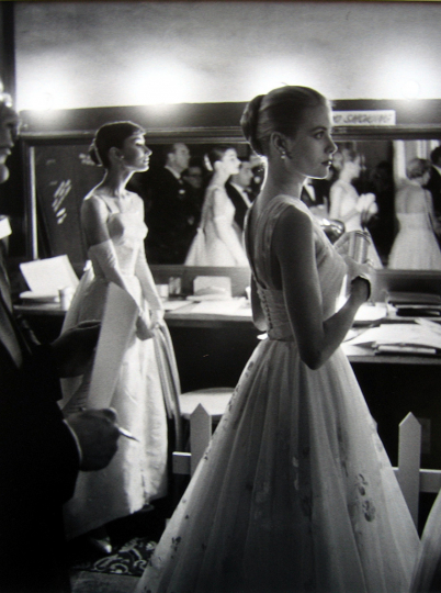 Allan Grant - Audrey Hepburn and Grace Kelly Backstage at Academy Awards 1956 © Estate of Allan Grant/ Time/Life Photos Inc, Courtesy of Peter Fetterman Gallery