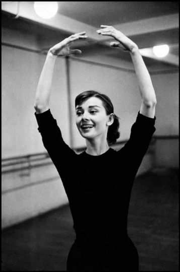 David Seymour - Audrey Hepburn during the filming of