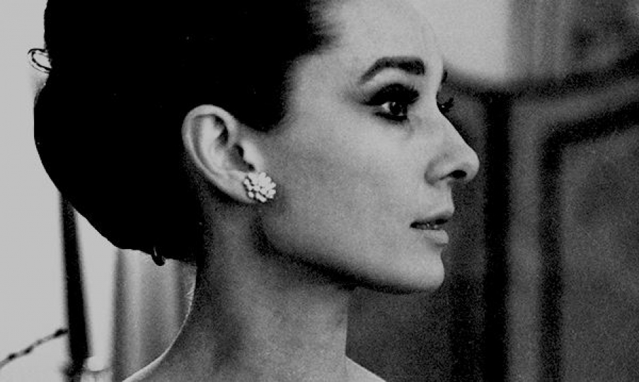 Angela Williams - Audrey Hepburn, The Ritz, Paris (Profile) No #6 1964 © Angela Williams, Courtesy of Peter Fetterman Gallery