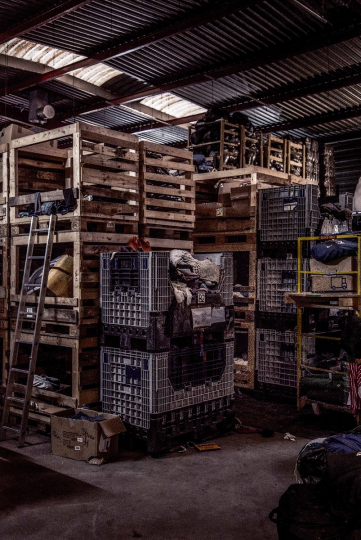 Inside the Warehouse of L'auberge des Migrants, where the various items designed for distribution to migrants in Calaisie are stored. Intérieur de la Warehouse de l'auberge des migrants, où sont stoké les différents item dstiné aux distribution pour les migrants de Calaisie © Yves Salaün