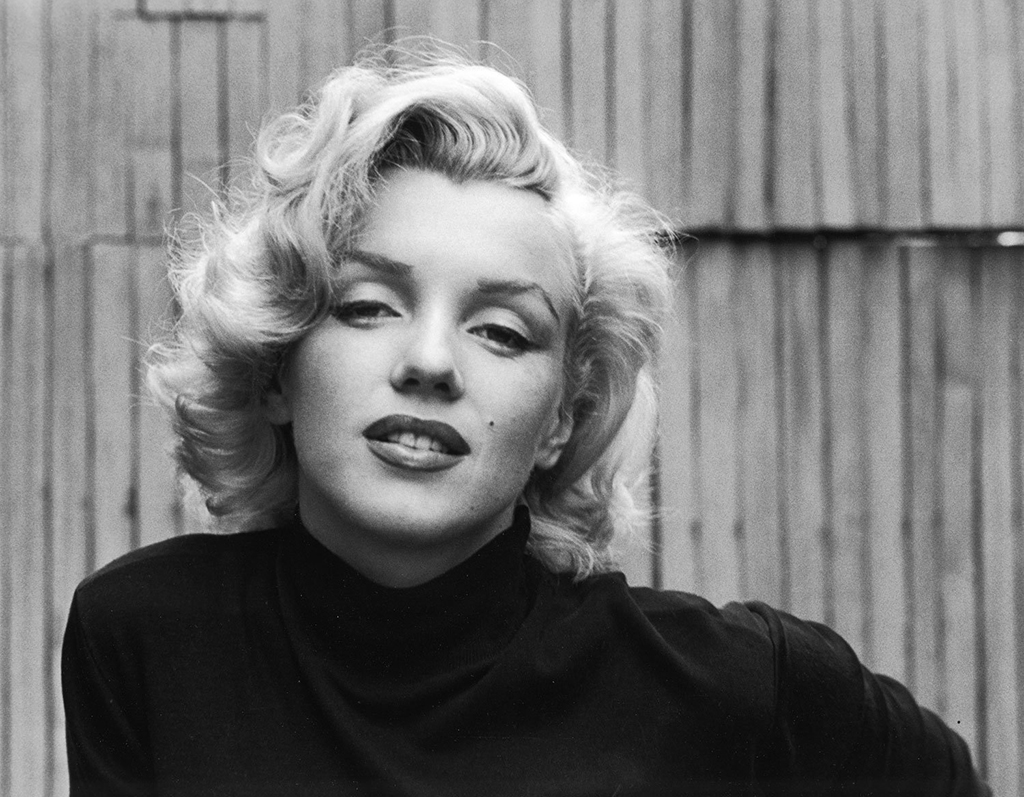 Alfred Eisenstaedt Marilyn Monroe (Black Sweater Landscape), 1953 © Alfred Eisenstaedt/Time & LIFE Pictures/Getty Images, courtesy Robert Mann Gallery