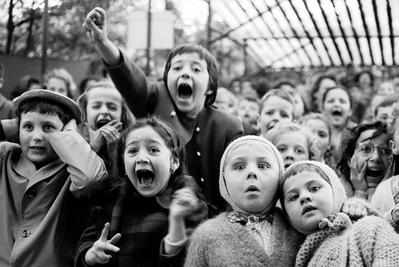 Alfred Eisenstaedt Children at a Puppet Theater, Paris, 1931 © Alfred Eisenstaedt/Time & LIFE Pictures/Getty Images, courtesy Robert Mann Gallery