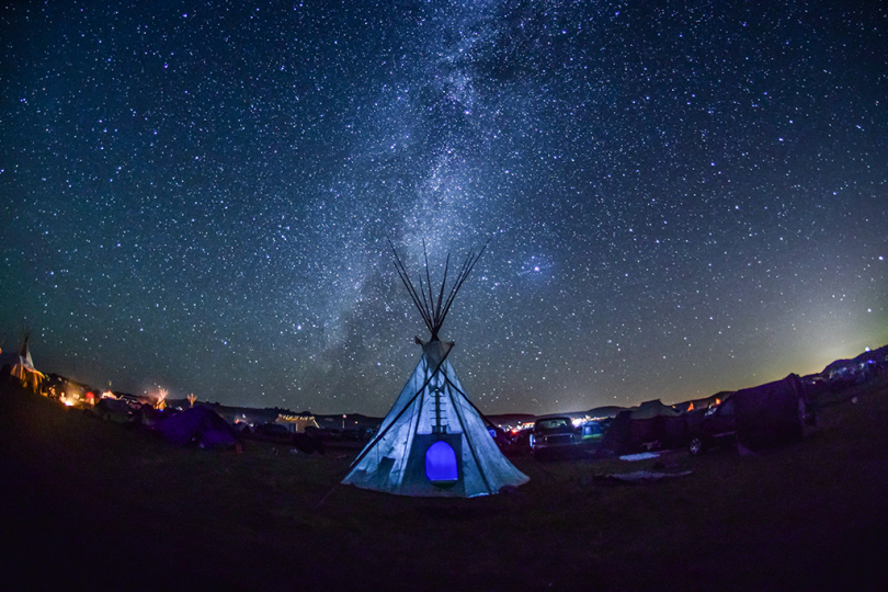Milky Way and Tipi, Standing Rock, 2016 © Ryan Vizzions – Courtesy Monroe Gallery of Photography