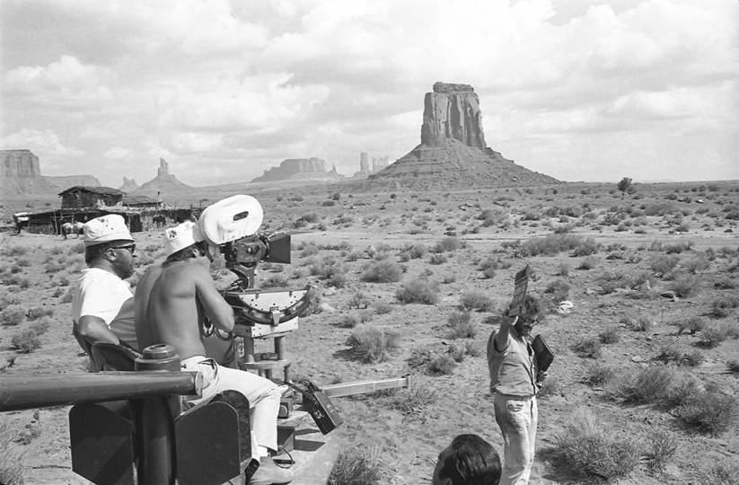 Filming the actual construction in Monument Valley at the side of the track between East Mitten and Merrick Butte. © Angelo Novi/Reel Art Press