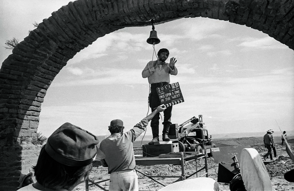 Production manager Claudio Mancini, as Harmonica's elder brother, filming the flashback in early August 1968, between Monument Valley and Mexican Hat - Once Upon a Time in the West: Shooting a Masterpiece by Christopher Frayling © Angelo Novi/Reel Art Press