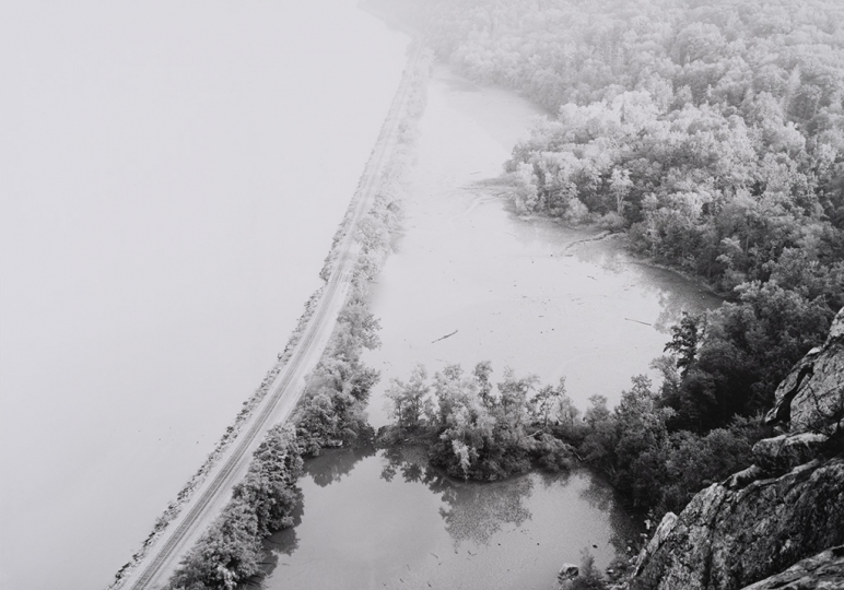 Along the Hudson River – Slowly rising river fog – Looking downstream © Thomas Joshua Cooper - Courtesy The Parrish Art Museum