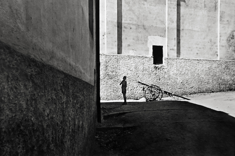 Henri Cartier-Bresson Salerno, Italy 1953© Magnum Photos, Courtesy of Peter Fetterman Gallery