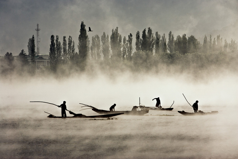 Dal Lake, Kashmir India by Shahidul Alam 2008