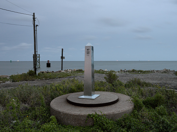 DeLIMITations Obelisk 47, 2014 © David Taylor and Marcos Ramírez – Courtesy Rick Wester Fine Art