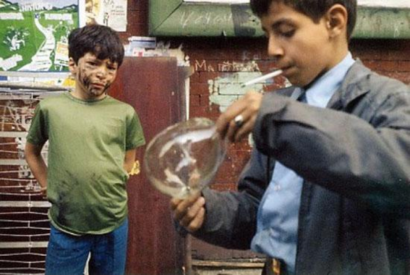 Helen Levitt N.Y.C. (boy and bubble) – Courtesy Equinox Gallery