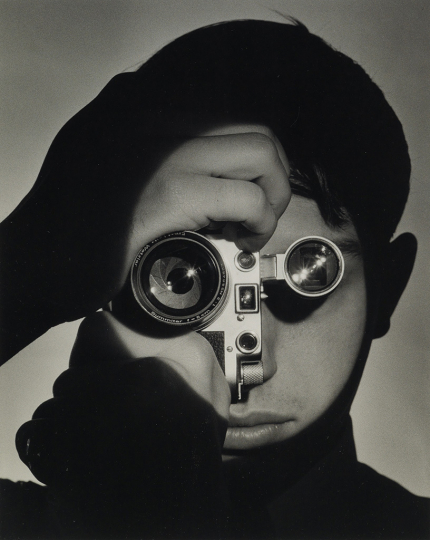 Lot 98: Andreas Feininger, The Photojournalist (Dennis Stock), New York, silver print, 1951, printed 1992. Estimate $10,000 to $15,000. - Courtesy Swann Auction Galleries