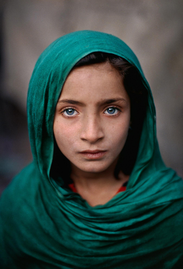 Steve McCurry - Afghan Girl with Green Shawl 2002© Steve McCurry, Courtesy of Peter Fetterman Gallery