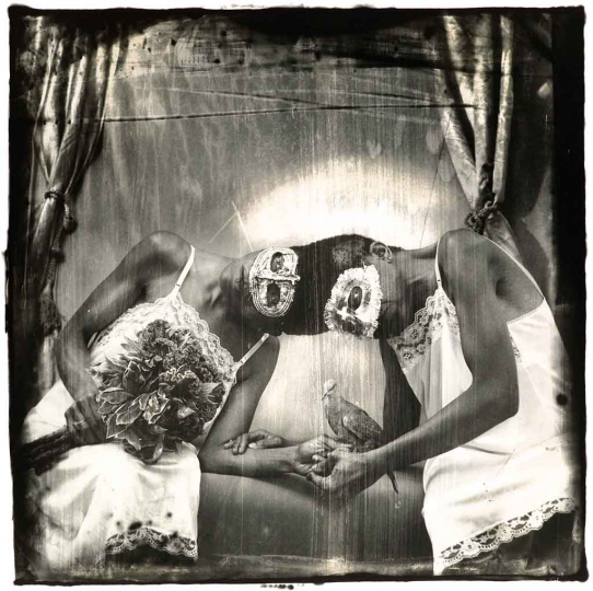 Siamese Twins, LA, 1988 © Joel-Peter Witkin – Courtesy Catherine Edelman Gallery