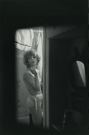 Soames, ca. 1960 Gelatin silver print, printed ca. 1970s 23 x 15 cm Photographer's credit stamp on print verso © Courtesy Gallery FIFTY ONE | © Saul Leiter Foundation