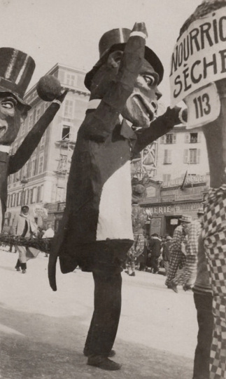 Anonyme (Ref.3498) Carnaval, vers 1930. Tirage argentique 98x59 mm 35 €