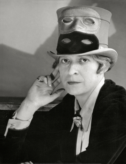 Berenice Abbott - Janet Flanner in Paris , 1927 25,4 × 20,3 cm The Miriam and Ira D. Wallach Division of Art, Prints and Photographs, Photography Collection. The New York Public Library, Astor, Lenox and Tilden Foundations